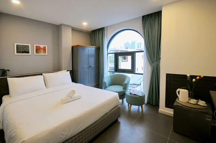 The Cozy-Stylish Room, walking to the beach