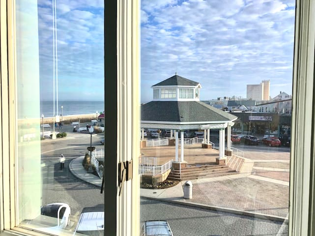 Rehoboth Ave Boardwalk/Beach Condo Unit 1