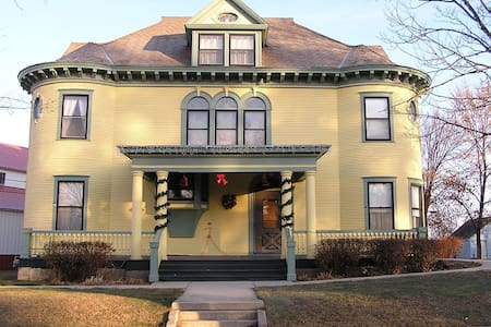 Turn of the Century House - Cottonwood