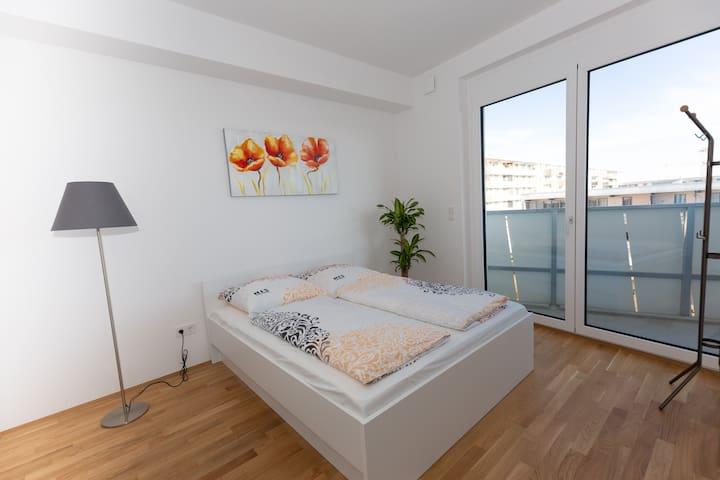 My room-new apartment with balcony near trade fair