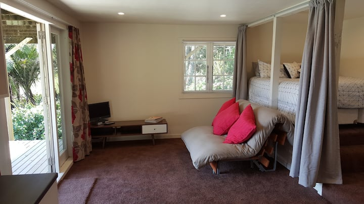 Nice Self Contained Unit! Special views!!