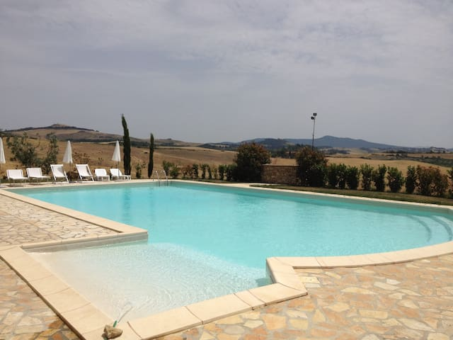 Apartment & pool countryside panorama Volterra - Volterra - Wohnung
