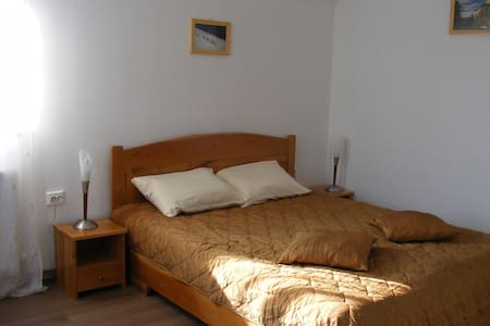 #4 double room - Curtea de Argeș