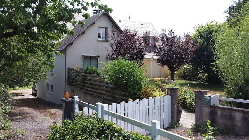 Maison de village - Flavin - Casa