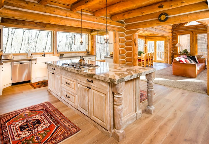 Stunning Two Story Hand Hewn Log cabin w Hot Tub