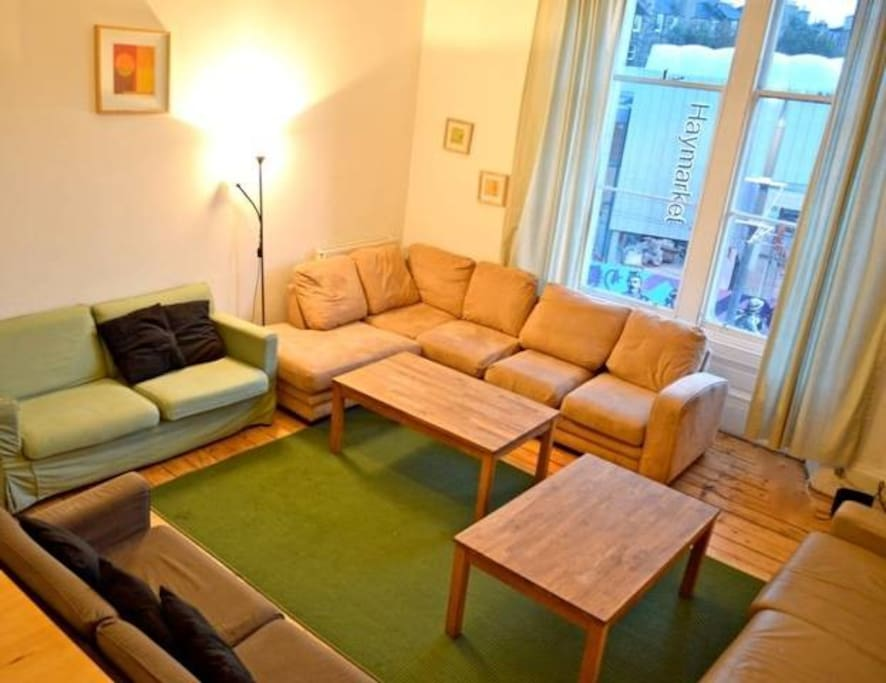 Large sitting room with dining table
