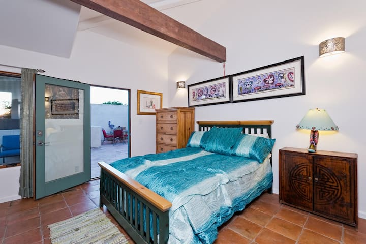 1 bed/1 bath private suite Malibu near beaches