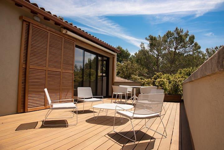 Idéal vacances ! appartement Provence, piscine.