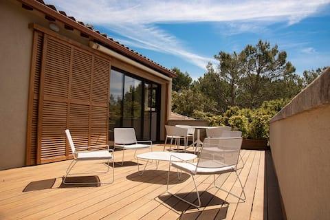 Provence, petit nid douillet avec piscine
