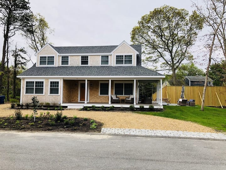 New Luxe 4Bd/4Ensuite ba AC in town Vineyard Haven