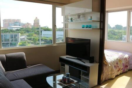 Great Location near Shopping Centers, Restaurants - Taguig - Pis