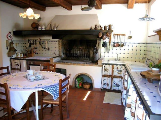 Casale a Spoleto - Rubbiano House - Spoleto - House