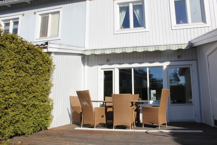 2 floor townhouse, 124 sq, 5 rooms - Värmdö - Huis