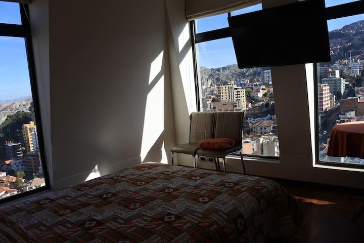 Cómoda habitación en Penthouse centro de Sopocachi
