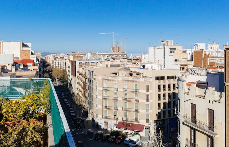 Eixample gracia great penthouse appartamenti in for Appartamenti barcellona eixample