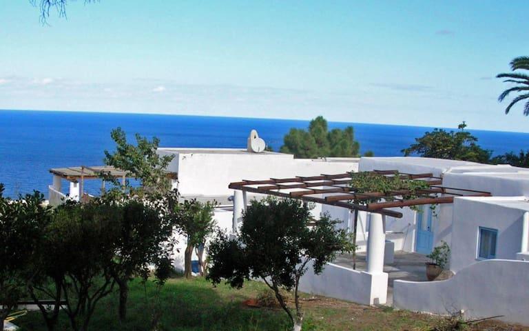 Villa nel cuore dell'Isola di Salina