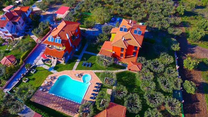 SUNDAY RESORT (Elegant sea view Apartment)