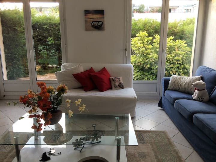 Beautiful 1 bed flat with garden and Parking