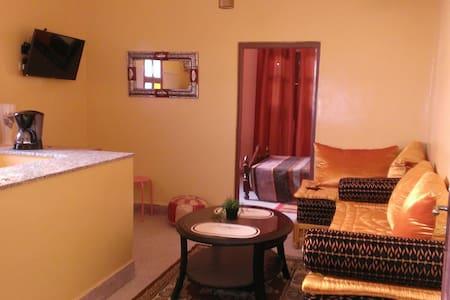 Appartement ziyara 1 indépendant, 300m du centre
