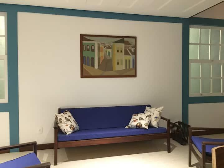Bela casa no Centro Histórico, ideal para casais.