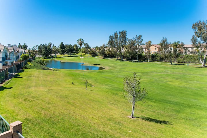 GOLF COURSE VIEW - 4 BD 1700 SQ FT - Placentia - House