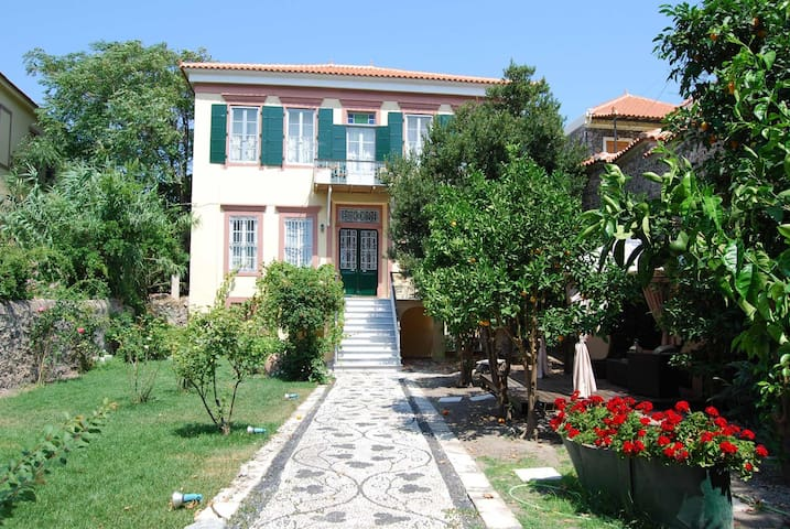 Eleana Mansion of Molyvos - Molyvos, Mithimna - House