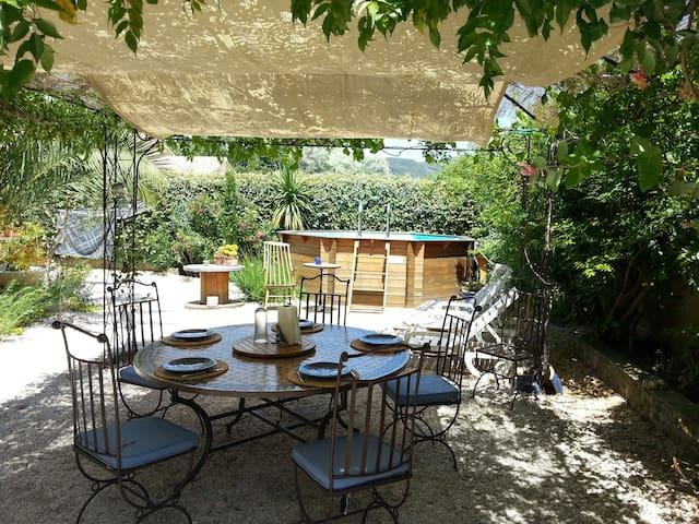 L'Esquichadou : Gîte indépendant à 20' de la mer - Solliès-Pont - Maison