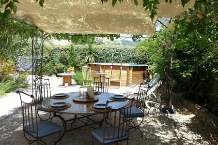 Gîte indépendant à 20' de la mer - Solliès-Pont - บ้าน