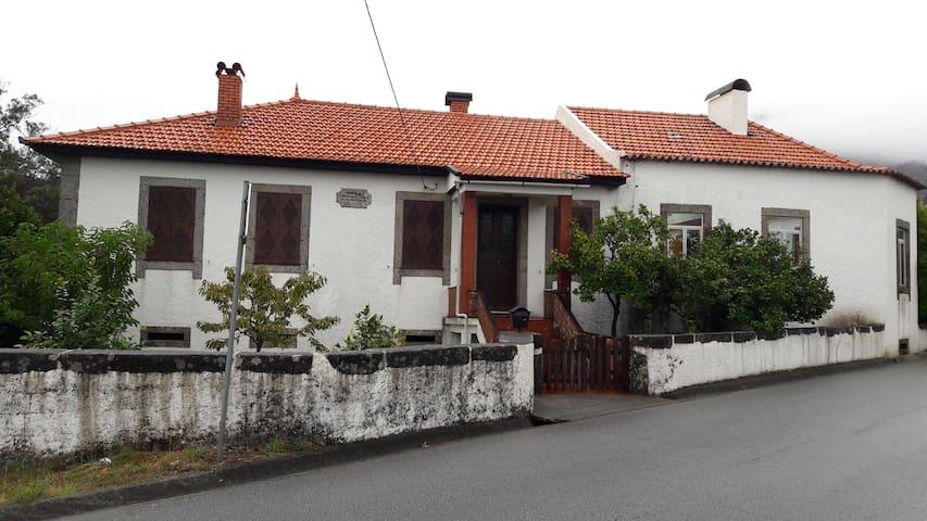 Casa da Cerejeira - Dem - Casa