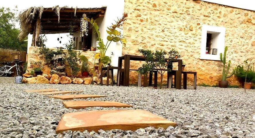 Out of Africa, Ibiza. - San Lorenzo de Balafia - House