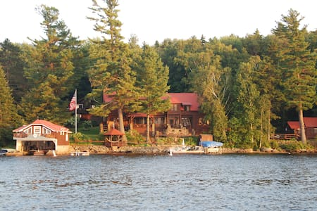 3 BD Boathouse in Adirondacks! - Speculator - Casa