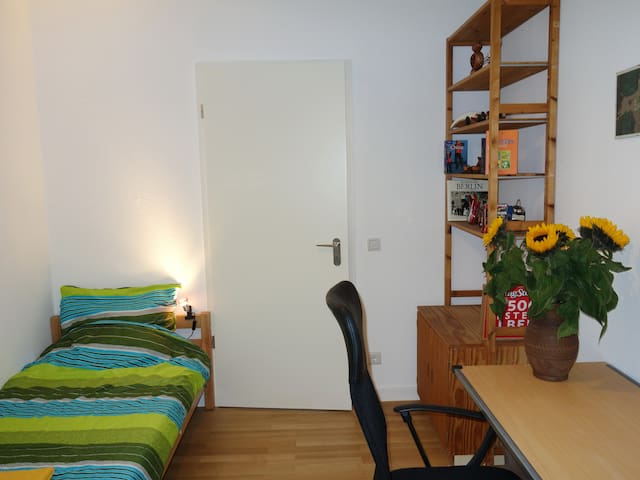 Fine single room in Prenzlauer Berg, Berlin