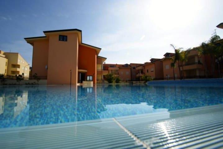 Beach Apartment & Pool - Pizzo - Apartment