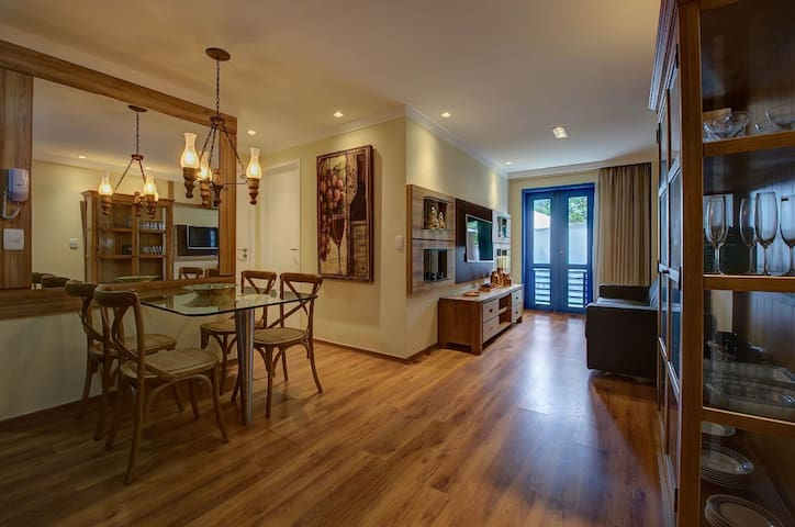 Luxuoso apartamento no centro de Guaramiranga - (310 Itaúna II)