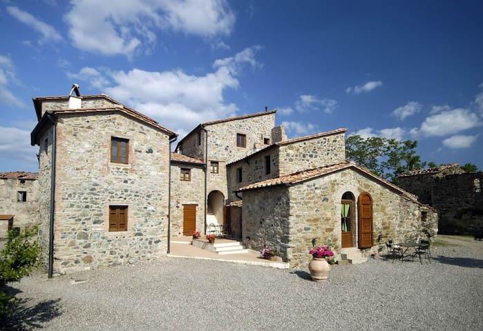 Tuscany Borgo Cerbaiola apartment - Montecastelli Pisano - Lägenhet