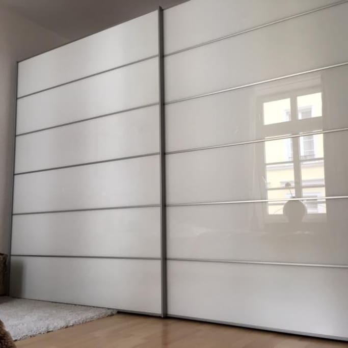 Zimmer Schrank