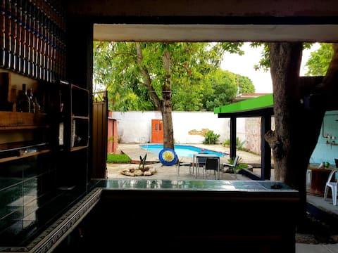 Habitacion privada-con piscina- WIFI 150mb