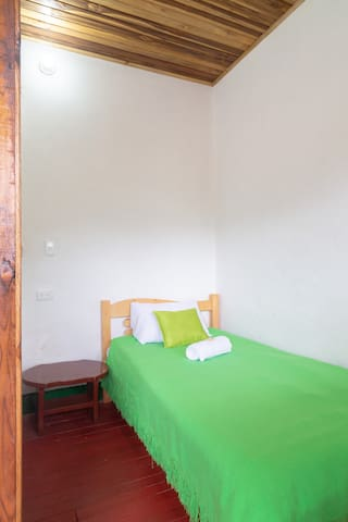 Hostal Caminante, Room Tingua Azul In Family House