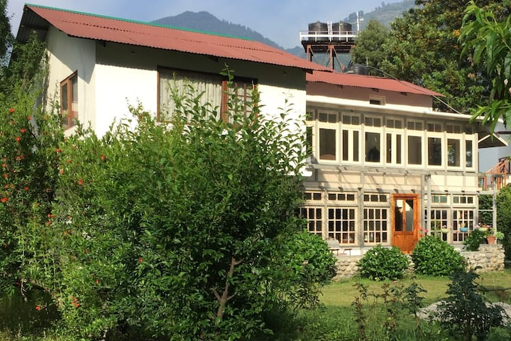Neelam's Cottage -It's a Home, not just a homestay