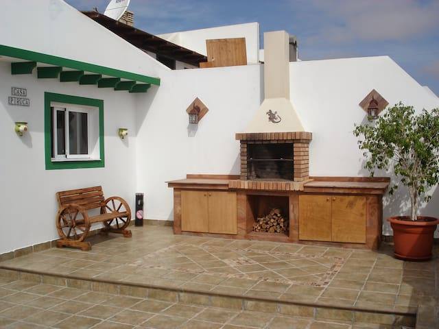 House with sea view and barbeque - Castillo Caleta de Fuste - บ้าน