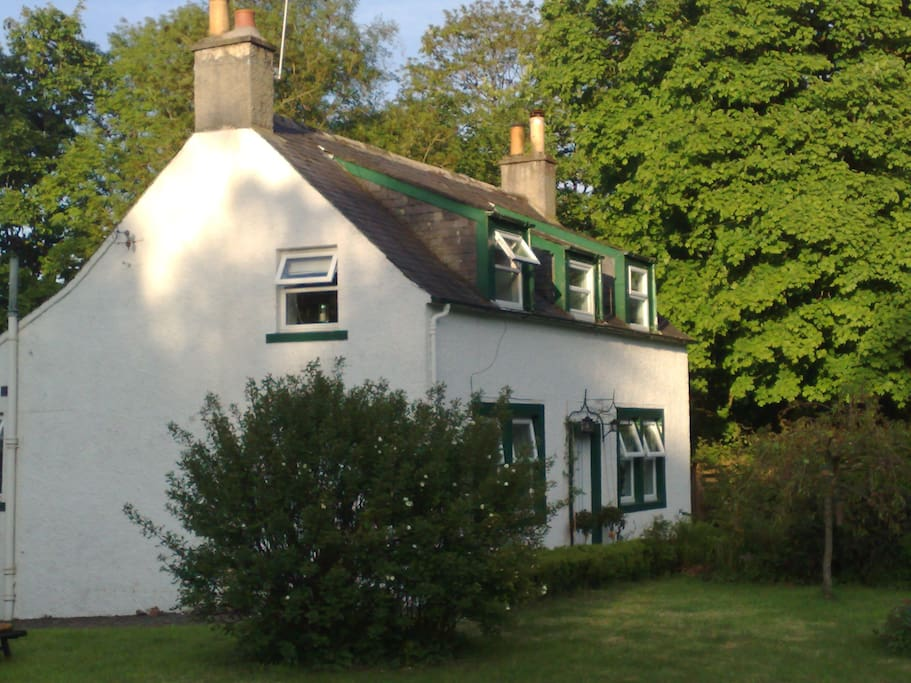 The Hideaway Cottage Houses For Rent In Moniaive