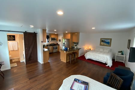 Sea Ranch Guest House, Private Oceanfront Property