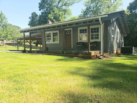 Brown's Creek Cabin