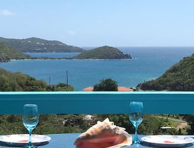 """""""Happy Our"""" vacation rental home - Coral Bay"""