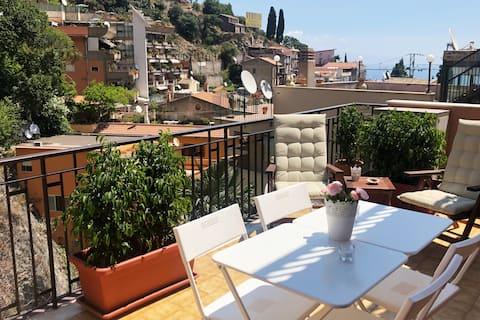 LA CASA DI ANDREA mit Terrasse