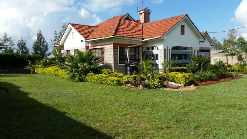 Sylish, peaceful family/professional Machakos Home