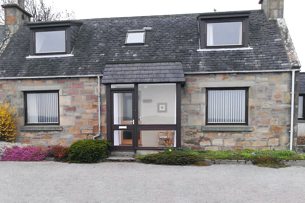 Kinleith Cottage