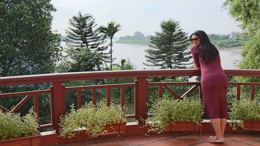 Quiet Riverfront. Unbeatable View to river. - Ngọc Thụy - House