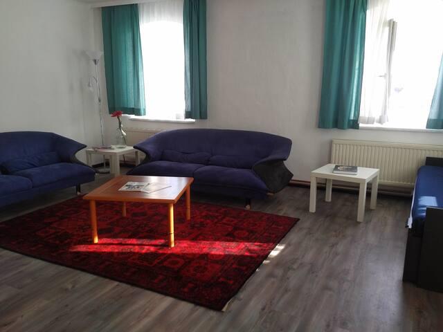 Wohnzimmer 28m2 mit Schlafsofa
