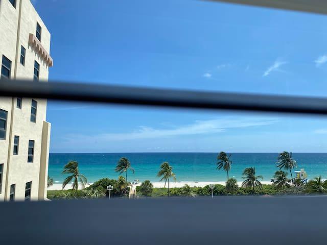 Ocean view at Hollywood Beach Resort Studio 572